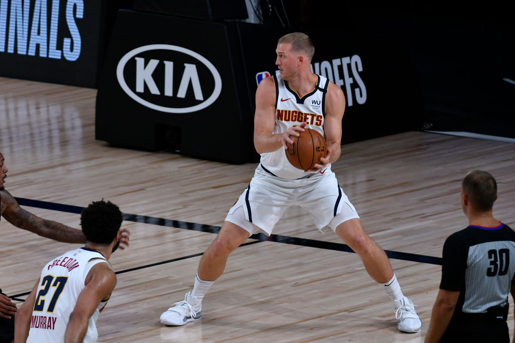 The Pistons are signing Mason Plumlee to a three year contract worth $25 million dollars!